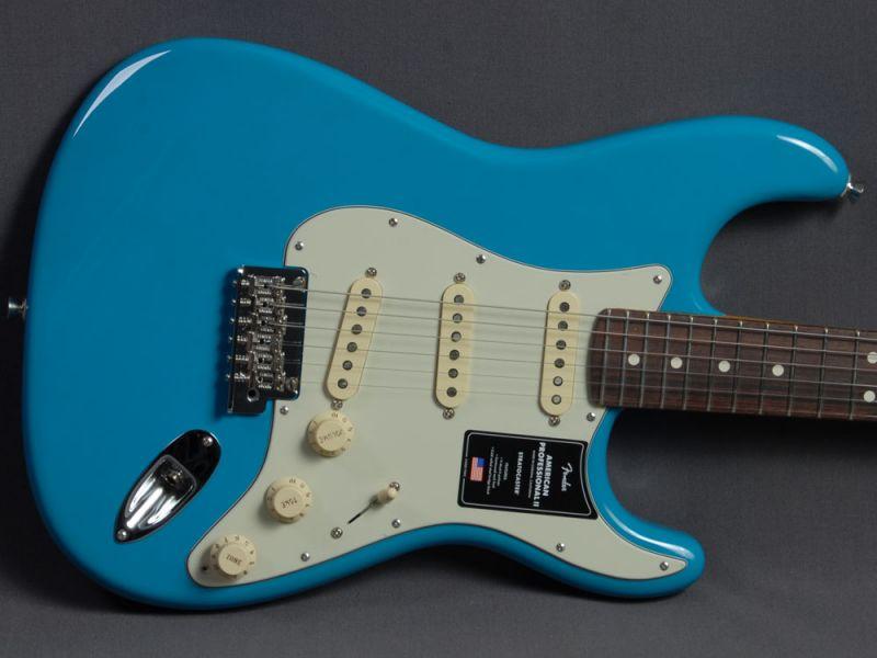Fender Stratocaster American Pro II RW Miami Blue